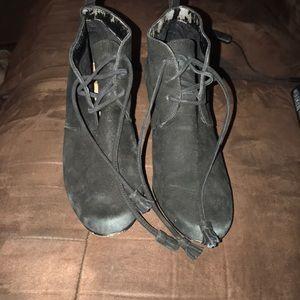 Shoes - Slightly worn size 8.5 boots